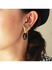 <patterie>EXOTIC TRIANGLE EARRING(8PR16SS-AC-P001312-E)