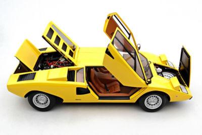 <三越・伊勢丹/公式> 送料無料!  ★<Amalgam>1:8スケールモデルカー Lamborghini Countach LP400(1974)Kerbsade Yellow Yellow