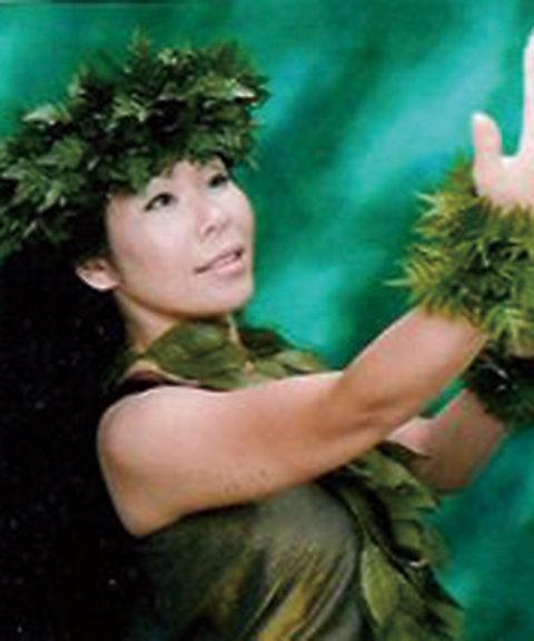 三越・伊勢丹オンラインストア【定期講座】「147」ハワイアン・フラ 一緒にハワイを感じてみませんか。