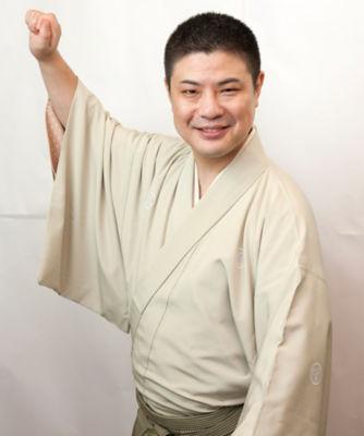 三越・伊勢丹/公式 【日本橋街大學】「68」プレミアムフライデーは落語で寄り道!