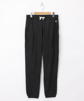 三越・伊勢丹/公式 <エスエヌ スーパーナチュラル> パンツ(SNW007510) ブラック