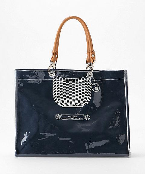 688698815982 カラー:ベージュ・ネイビー・ピンクサイズ:約28.5×39×13cm、持ち手高さ:約16.0cm、持ち手幅:約11.0cm 素材 外袋:ビニール、革  内袋:綿100%