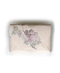 「年越しの贈り物」~しつらいと装い~/  飯島桃子 数寄屋袋 牡丹