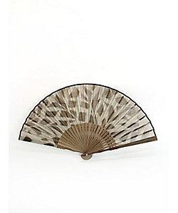 アトリエ・Kinami/アトリエキナミ ピーニャに落水紙扇子 7寸 リーフ 墨色地