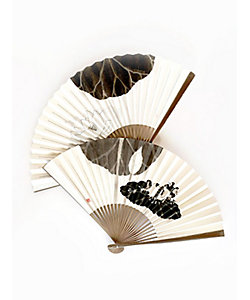 アトリエ・Kinami(石塚智之)/アトリエ・キナミ(イシヅカトモユキ) 墨手描き扇子 蓮寝カエル