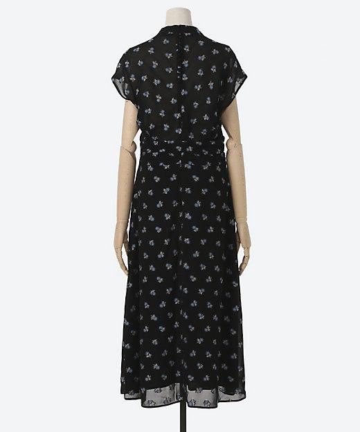 三越伊勢丹別注色 French Sleeve Dress With Small Flower Embroidery