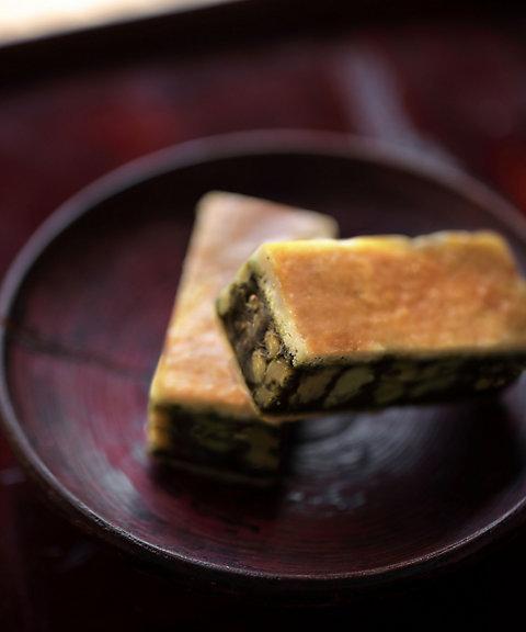<日本茶菓SANOAH> キャラメルサンドクッキー胡桃抹茶 5個入(和菓子)【三越・伊勢丹/公式】