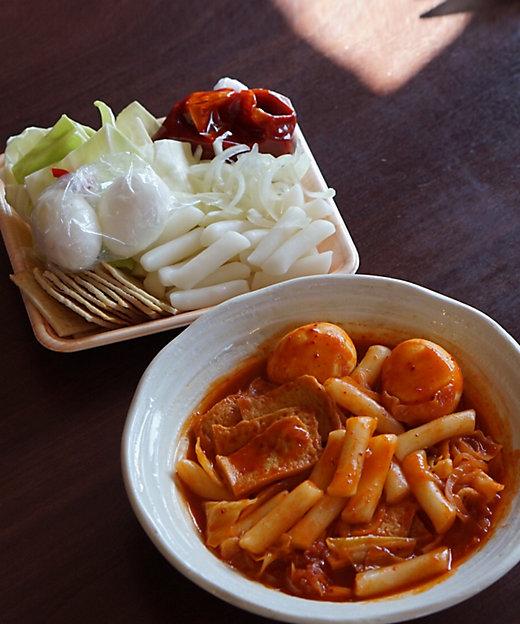 お家で簡単、本格韓国料理!カルビスープ・チーズタッカルビ・トッポギ・冷麺セット